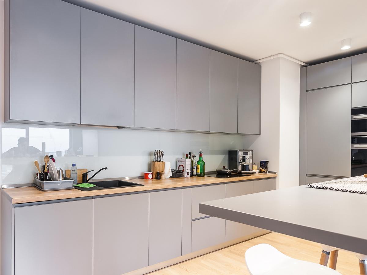 MobiliCASA-Mobilier_apartament_DJ_MDF_antracit_lemn_alb–4