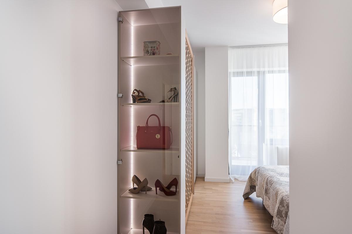 MobiliCASA-Mobilier_apartament_MDF_vopsit_compozit_Hi-macs–6